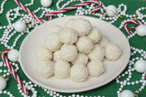 Coconut Snowballs (Paleo, Low Carb Vegan)