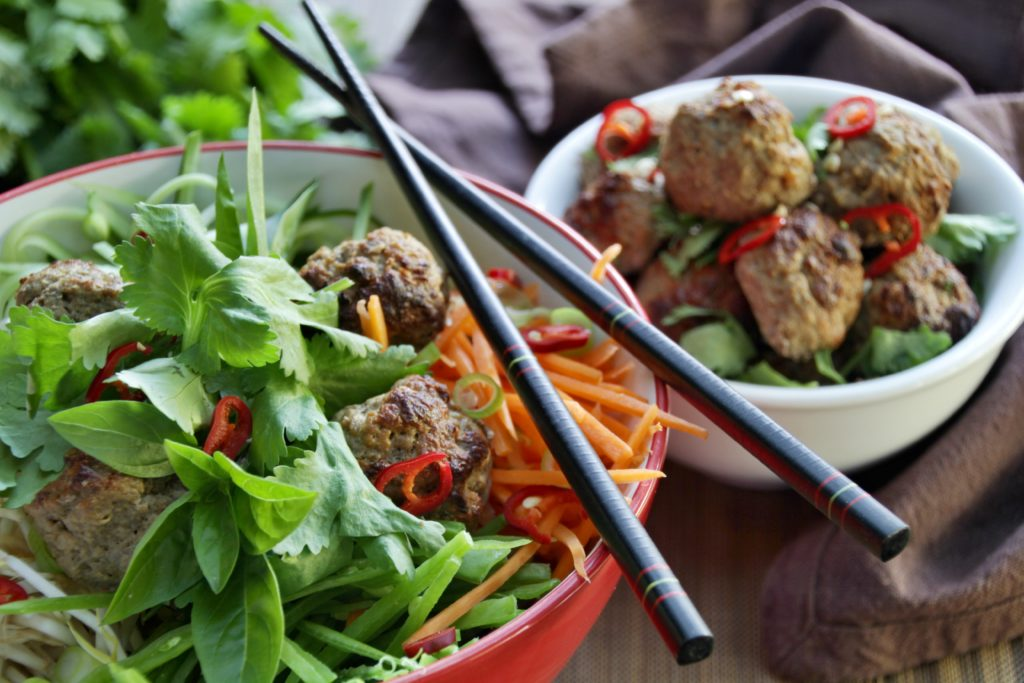 Vietnamese Salad With Meatballs (Paleo, Whole30, Low Carb)